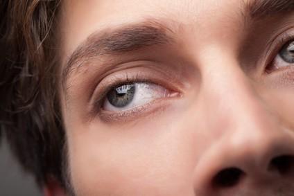 Rozszerzone źrenice – objawy zażywania narkotyków