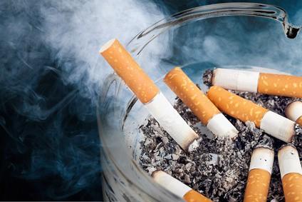 Popielniczka - palenie zabija